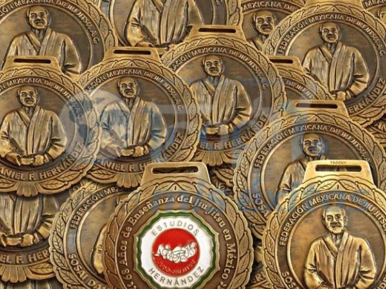 Medallas maestro Sosai Daniel F. Hernández
